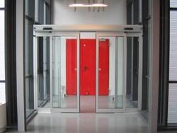 Porte automatiche Ditec nella nuova sede di Seat Pagine Gialle spa a Torino