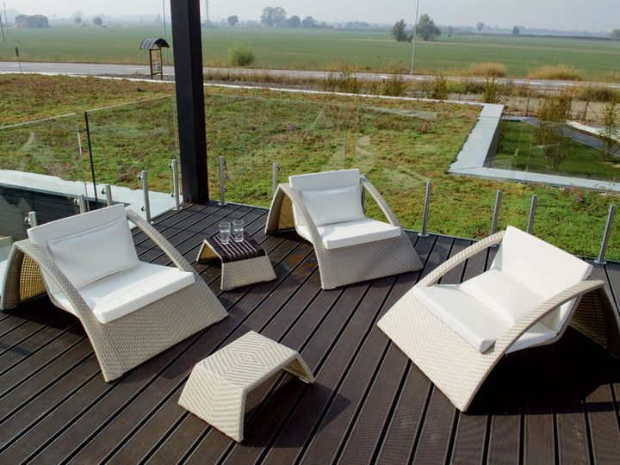 Florida - lounge armchair and table