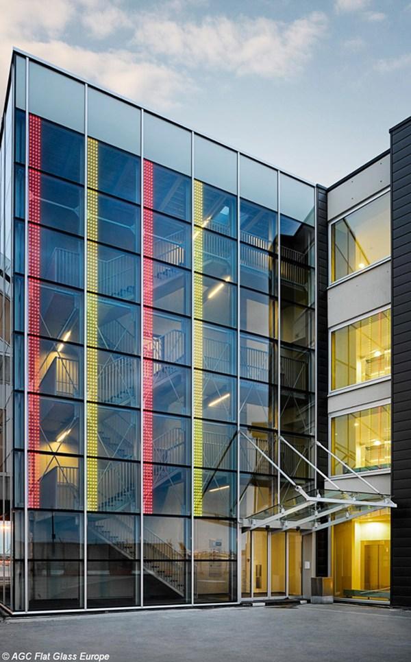 AGC presenta la nuova facciata dell'aeroporto di Bruxelles