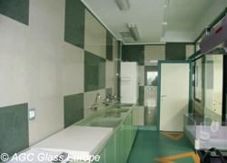Vetro AntiBatterico™ di AGC, l'antidoto architettonico degli ospedali