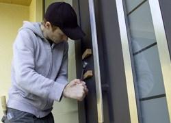 Bloccaggio automatico delle porte d'ingresso Hörmann