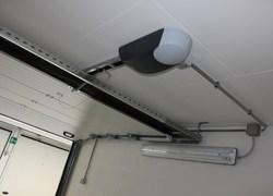 120 Portoni DITEC in un garage sotterraneo a Modena