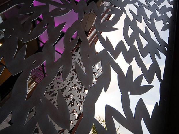 Un pizzo di metallo per la residenza di Roberto Cavalli