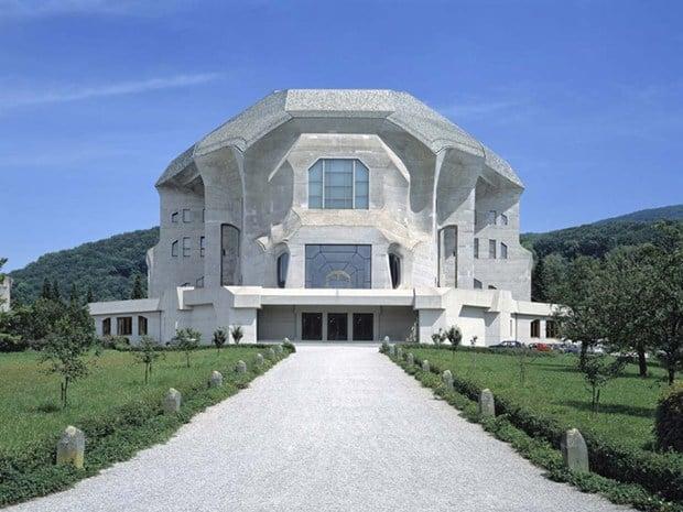 West facade of the second Goetheanum - © Vitra Design Museum; Photo: Thomas Dix, 2010