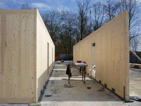 Albergo con pareti portanti in legno X-lam realizzato da Wood Beton