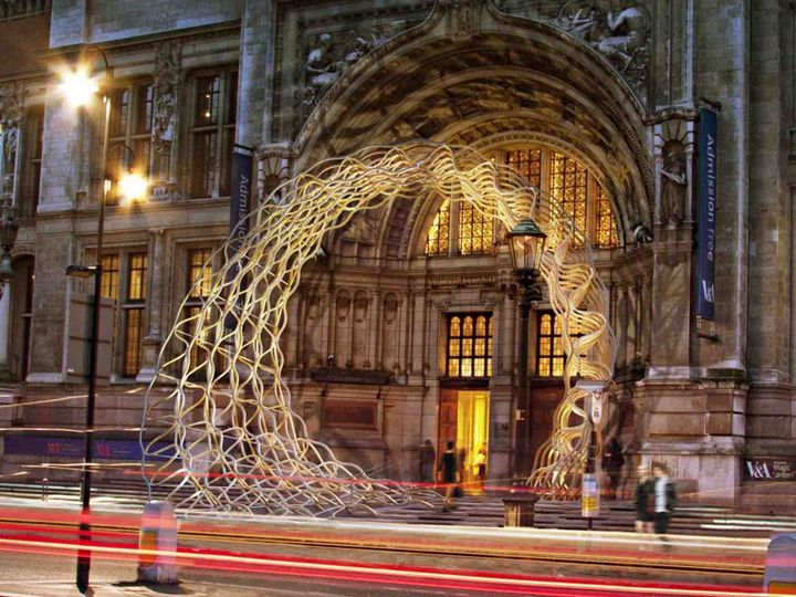 Al London Design Festival va in scena 'Timber Wave'