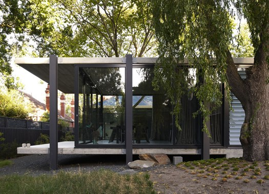 Architects EAT firma la Elm & Willow House
