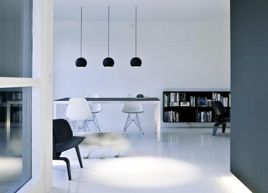 Viaggio nel bianco e nero di Norm Architects