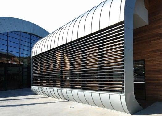 Zinco titanio e legno lamellare per l'Olgiata Sporting Club