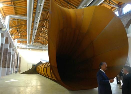 Anish Kapoor alla Fabbrica del Vapore di Milano