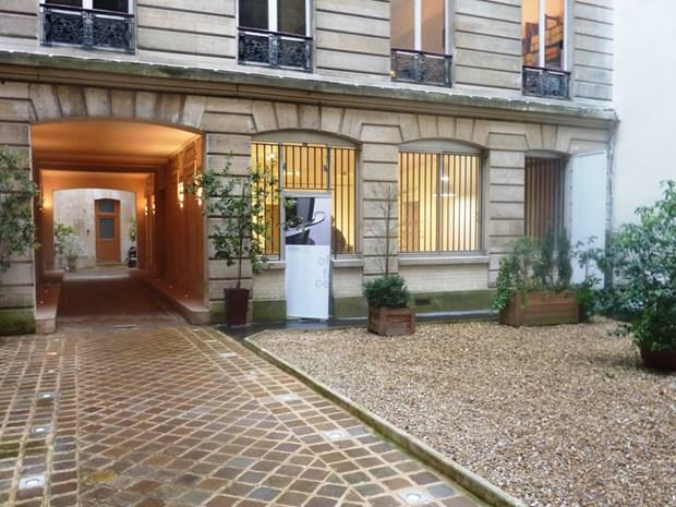 Showroom Ares Line a Parigi