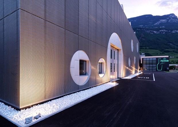 Lamiera stirata Zintek® per la distilleria Psenner