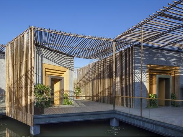 Armonia con la natura e bamboo per Teahouse galleggiante