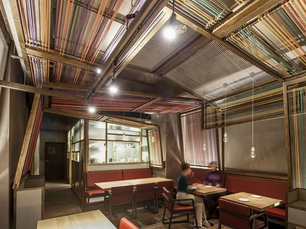 Barcellona: Pakta Restaurant dello studio El Equipo Creativo