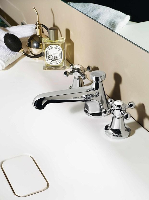 Agorà, la collezione completa per il bagno di Zucchetti.Kos