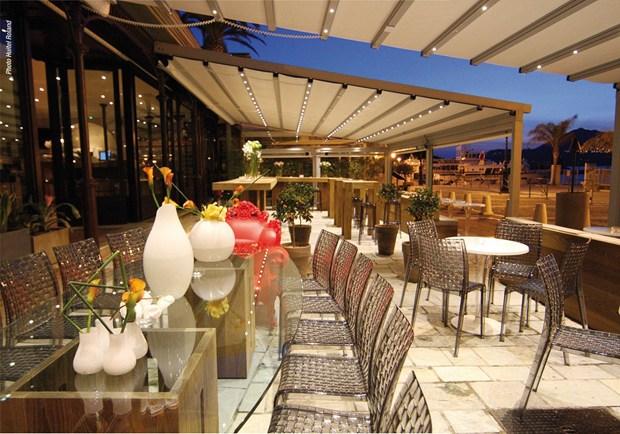 "L'outdoor Somfy & KE Protezioni Solari: ristorante ""Eden Port"" a Port Calvi"
