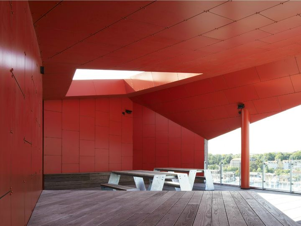 Vulkanen: colore come dialogo tra interno ed esterno