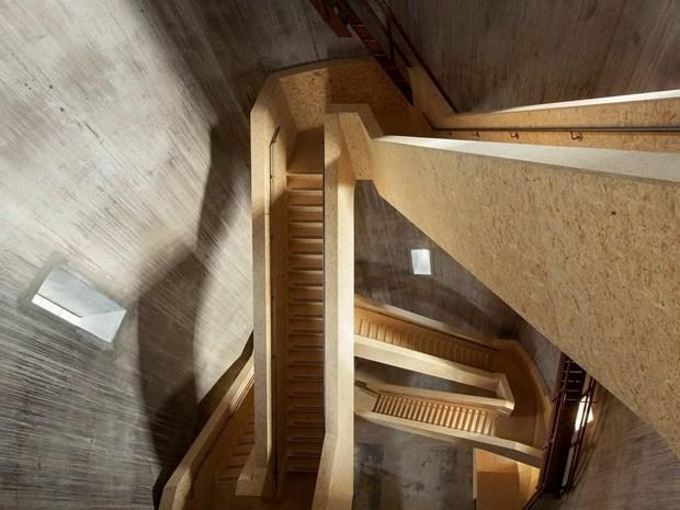 Zecc Architecten trasforma una vecchia torre dell'acqua
