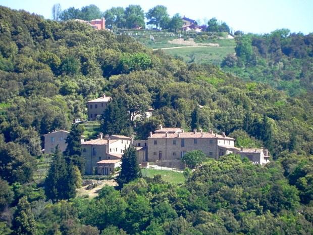 BigMat per il recupero per uno storico borgo termale toscano