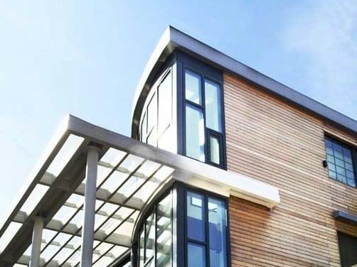 Costruire una tettoia senza permesso un abuso edilizio for Case legno senza permesso