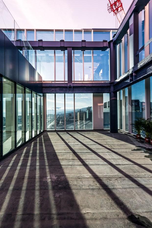 Trasparenze e sfumature: AGC per le facciate delle tre torri San Benigno