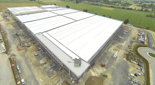 70.000 mq di copertura Elysium per il nuovo deposito Leroy Merlin