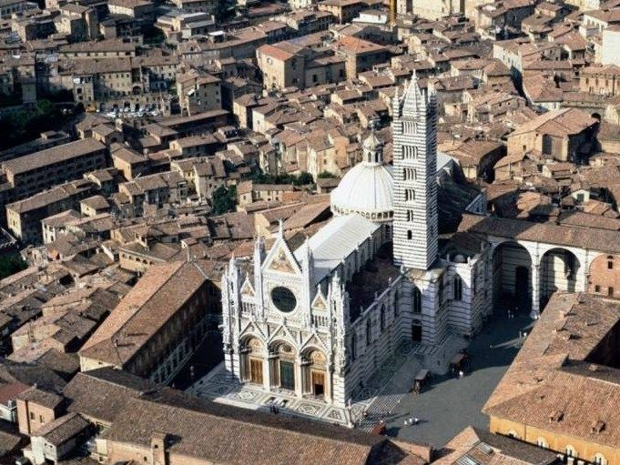 Arriva a Siena 'la Divina Bellezza', tra storia e architettura