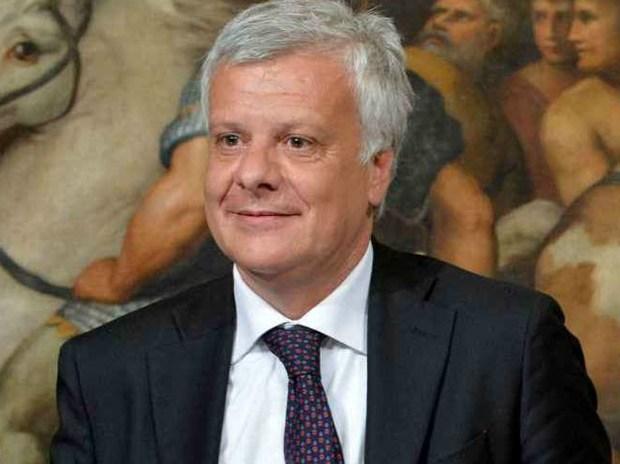 Ministro dell'Ambiente Galletti: 'mai più condoni edilizi'
