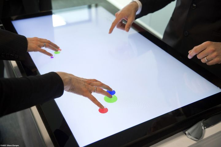 AGC Glass Europe presenta TIREXtreme, il vetro del futuro multitouch