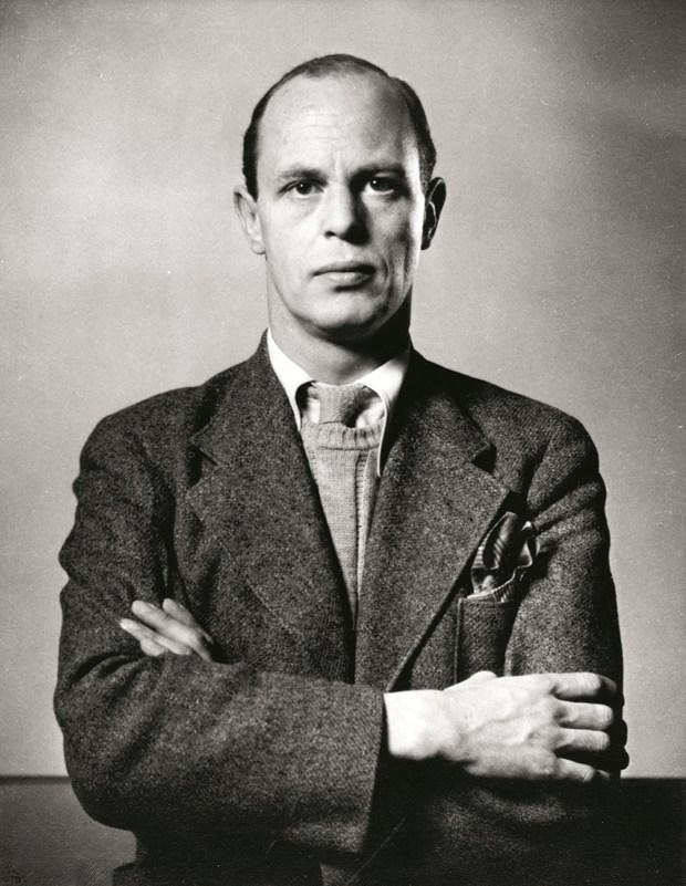 (c) Max Rommel