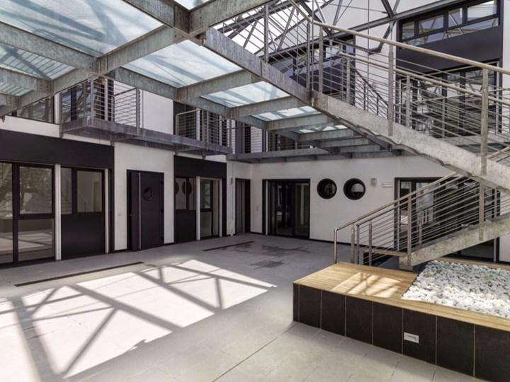 Un ex opificio si trasforma in otto unità residenziali