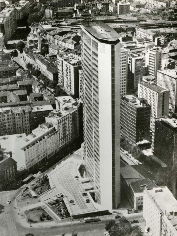 Una mostra per celebrare i 60 anni del grattacielo Pirelli