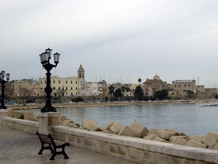 Bari bandisce il concorso per il waterfront della città vecchia