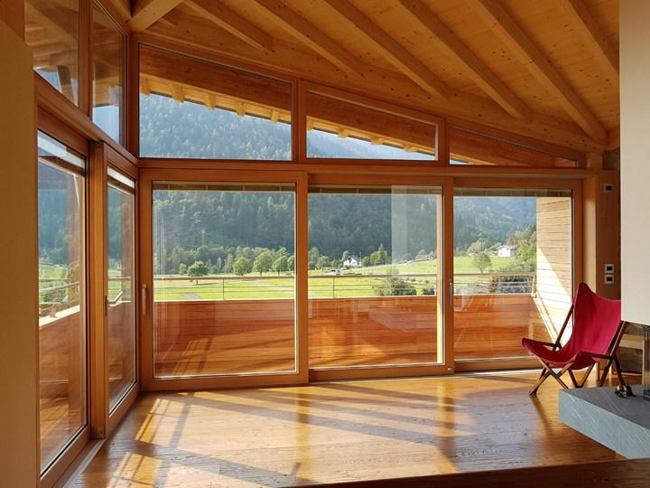Alzante scorrevole Eternity, tecnologia Alpilegno per il risparmio energetico