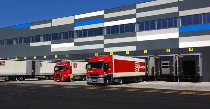 Baie di carico KOPRON installate per il nuovo polo logistico Decathlon