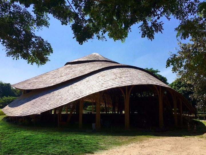 In Tailandia un centro sportivo realizzato interamente in bambù