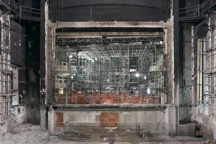 Lorenzo Bacci, Teatro Lirico, Interni, Retroscena