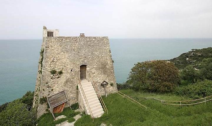 Torre Monte Pucci a Peschici (FG)