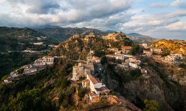 Savoca, Sicilia. Fonte: Airbnb