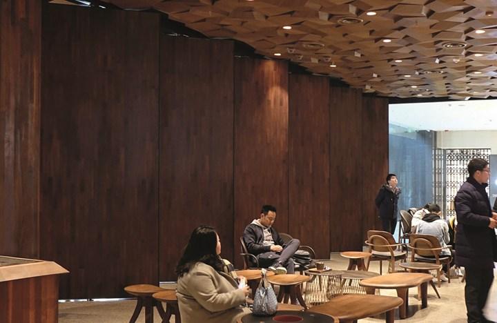 I sistemi FritsJurgens per il nuovo Starbucks a Shanghai