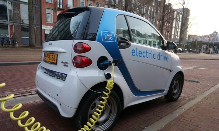 Colonnine per la ricarica delle auto elettriche, in arrivo 72 milioni di euro