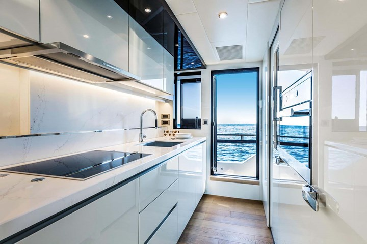 Absolute Navetta 73: fascino made in Italy e tecnologia made in Vimar