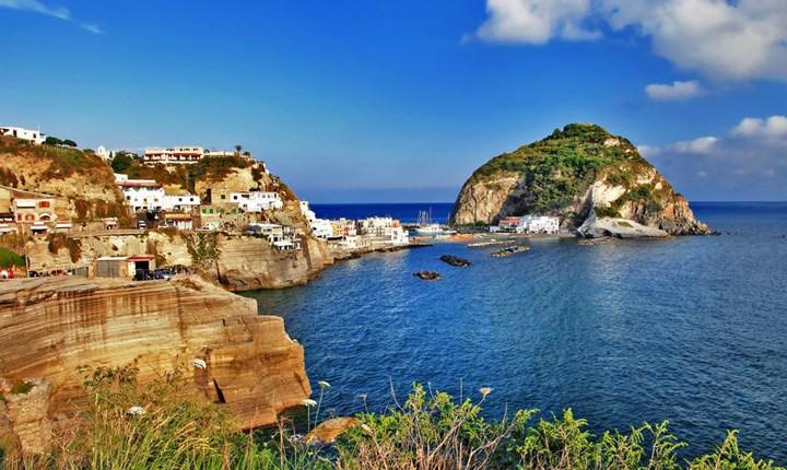 Decreto Genova, salta 'il cuore' del condono Ischia