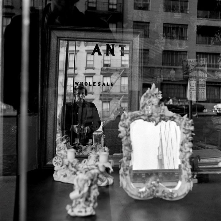 Vivian Maier, Self-portrait, 1953 ©Estate of Vivian Maier, Courtesy of Maloof Collection and Howard Greenberg Gallery, NY
