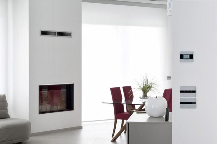 Villa domotica AVE: l'eleganza tecnologica dell'alluminio