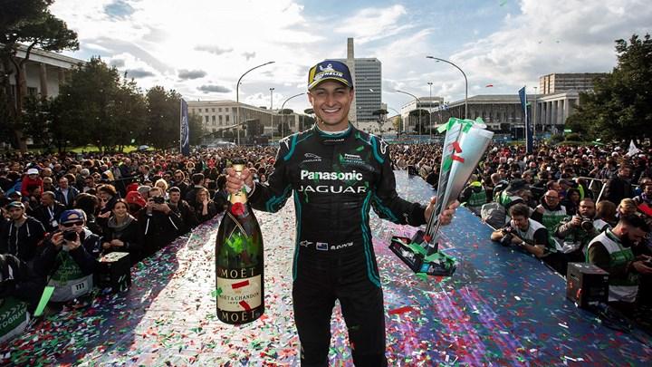 E-Prix di Roma: una grande vittoria per il Panasonic Jaguar Racing Team, sponsorizzato da Viessmann
