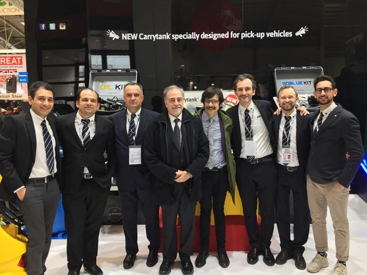 Alla fiera BAUMA il consolato italiano visita lo stand di Emiliana Serbatoi