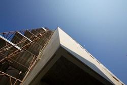 Brianza Plastica per edifici multipiano dal carattere forte e l'anima green