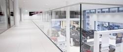 L'archistar Tilla Theus sceglie Q-RAILING per il Centro VW a Schlieren, in Svizzera