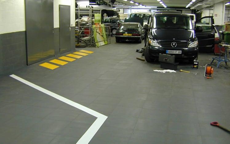 Pavimenti per officina meccanica piastrelle per officina